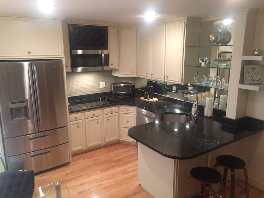 Beautiful Studio Newly Renovated Apartments For Rent In