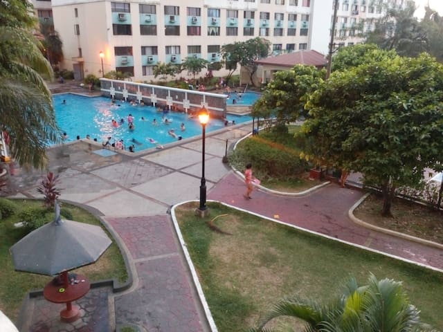 Cainta-Pasig full AC loftd condo w/ WIFI - Cainta - Appartement