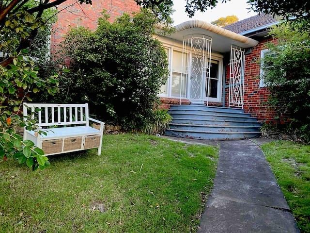 Great private room near Malvern East Station