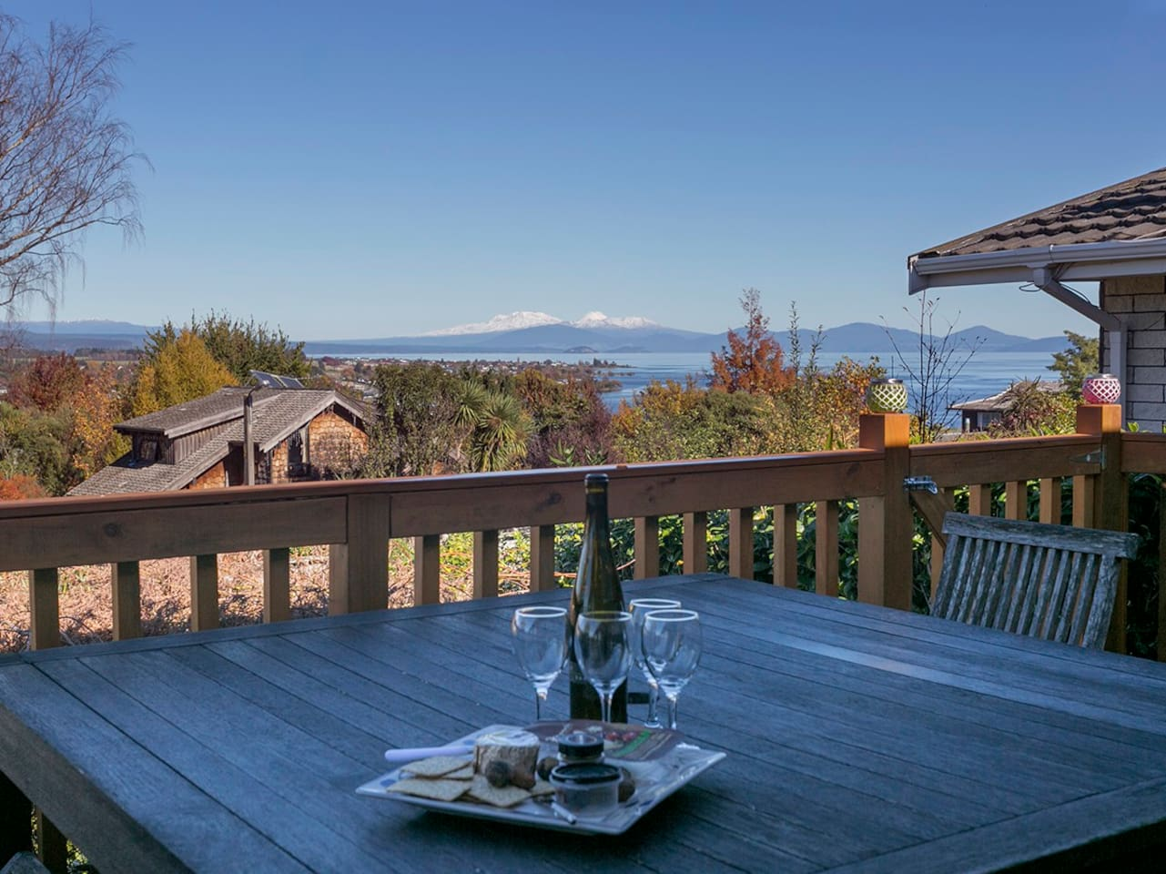 Hilltop Vista - Taupo Holiday Home