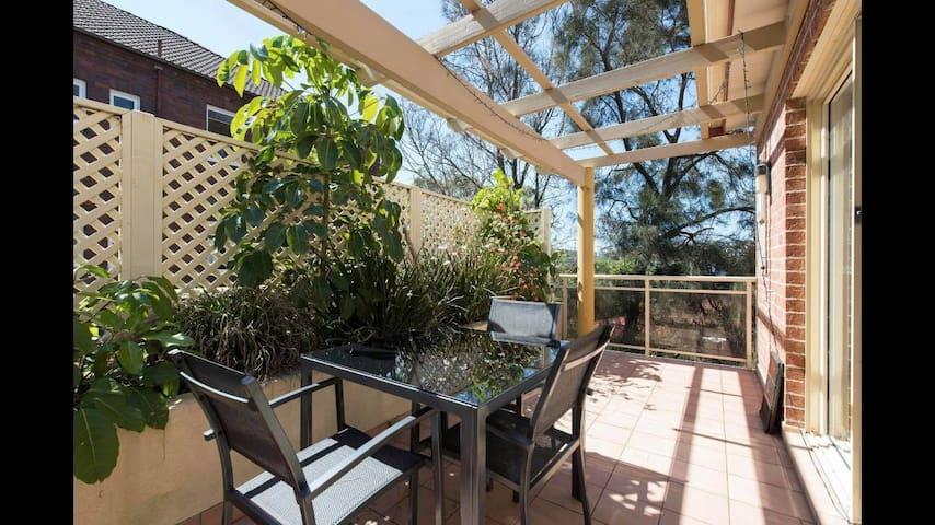 Bondi Beach Apartment - Amazing balcony for summer