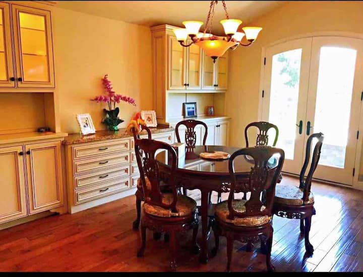 4b3b luxurious heart Cupertino near apple &grocery