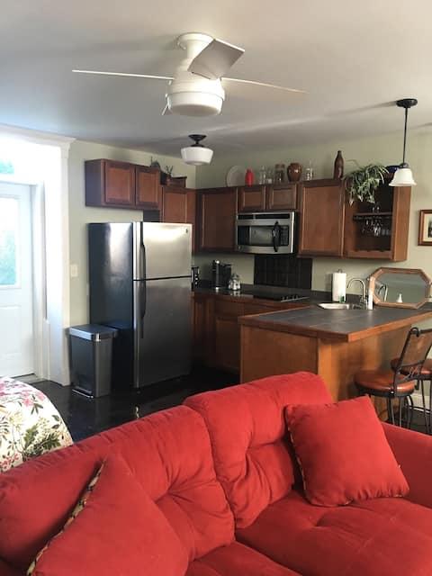 Sackets Harbor Vacation Suite  Unit D