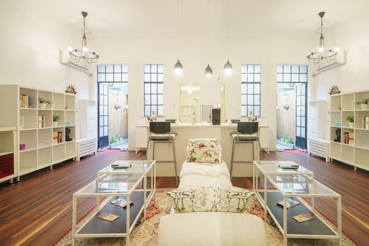 Old Villa of Jing'an 静安中心老洋房~别院雅居 - Shanghai - Wohnung