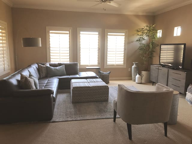 Resort like, Clean, Private 2BR special 30day $