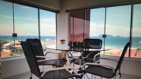 Cobertura - vista panorâmica de 180° da praia/mar.