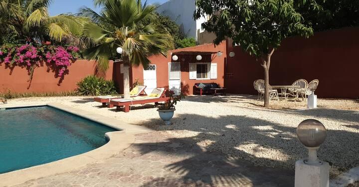 SALY-Chbre indépendante 12m² dans villa & piscine
