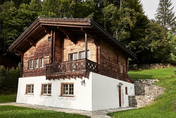 Luxurious chalet in dream location! WEF perfect!