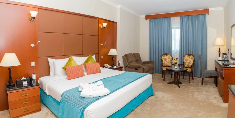 4*Luxury Hotel just beside Metro & mall@ just100dh
