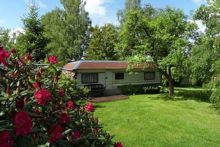 Wohnwagen als Ferienhaus am Wald - Ellefeld - Autocaravana