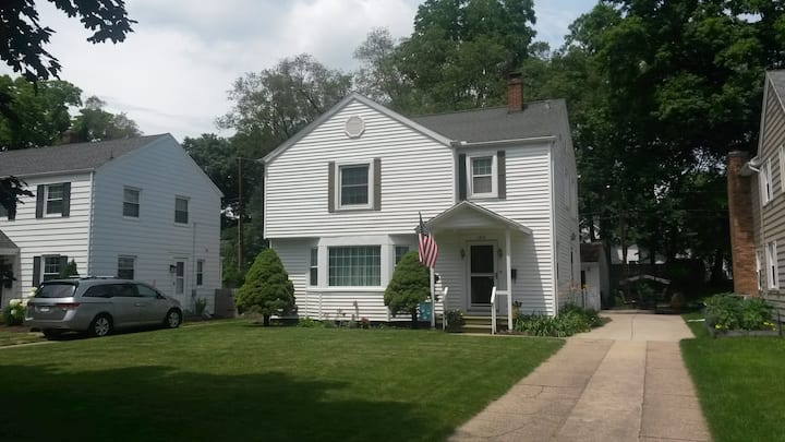 Charming, 2 story house 1.5 mi fr Campus:ND games