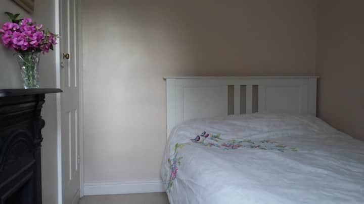 Double bedroom in clean Victorian terrace.