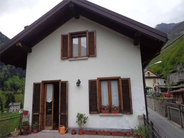 Sonia's house - Ceppo Morelli - Apartamento