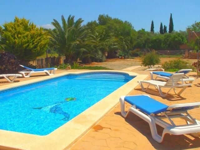 M4V2800 Villa mit Pool bei Es Llombards; max 6 Per - Es Llombards - Villa