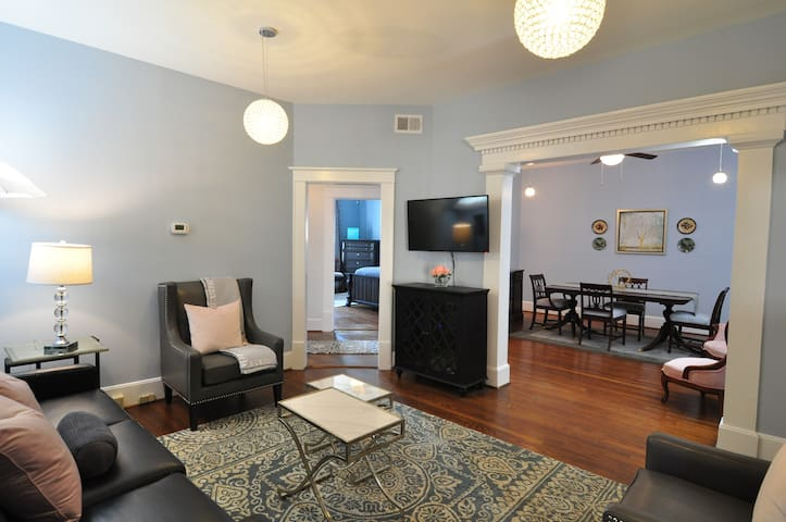 Trendy downtown Condo -great for longer stays - Greenville - Byt