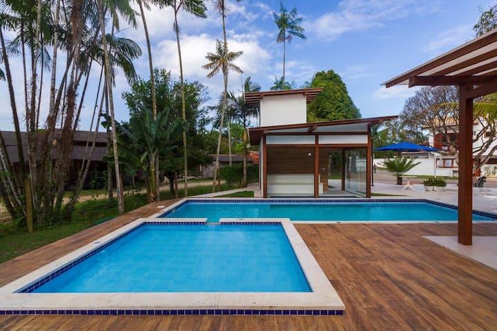 Casa Andorinha com 2 quartos com ar e piscina