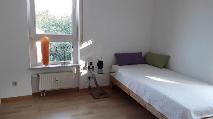 Modernes Privatzimmer Hofheim, beste Wohngegend
