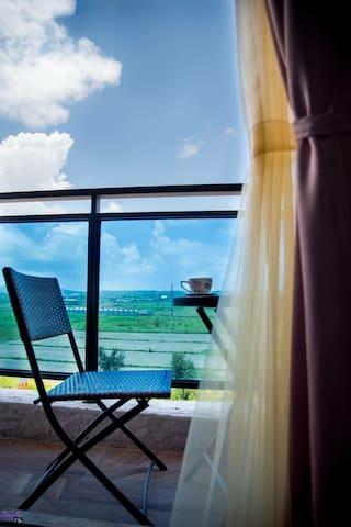 合法民宿~艾蜜堡(華麗2人房)~獨立景觀陽台.電梯.獨立衛浴...優惠體驗~鄰近古城⋯恆春老街