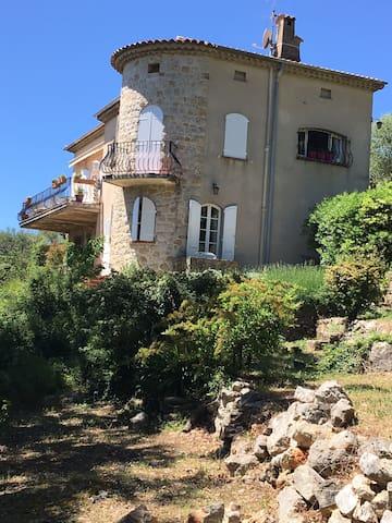 Villa à Spéracédès, proche de Grasse - Spéracèdes - House