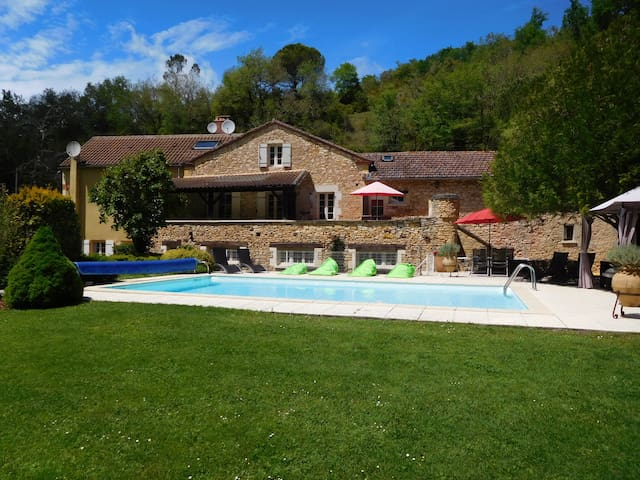 Las Laubios a Large Country Home with Pool