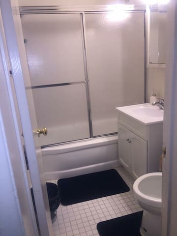 A Clean & Quit Master Bedroom In Md - Hyattsville - Apartamento