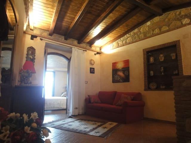 """casa """"San Michele"""" - Savoca - Dom"""