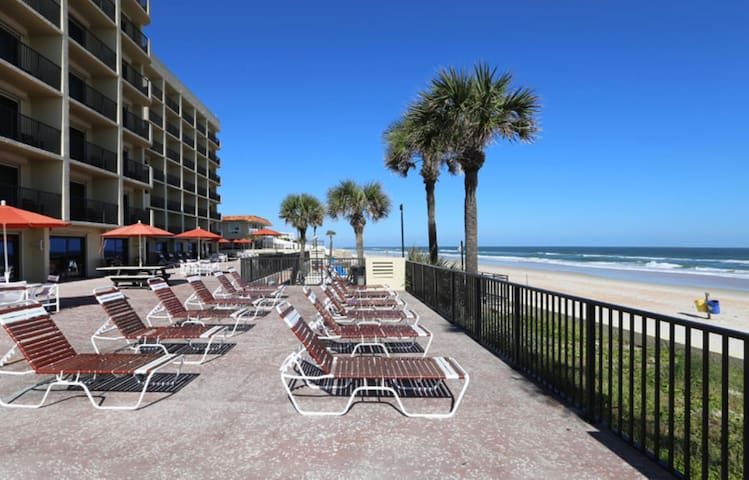 Two Bedroom Luxury Condo, Ormond Beach (A608)
