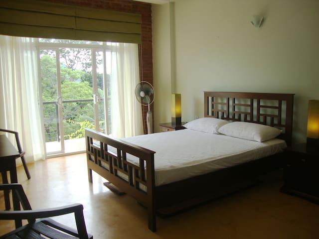 The Teak Shade, Kandy - Nelum Room - Gelioya - Bed & Breakfast