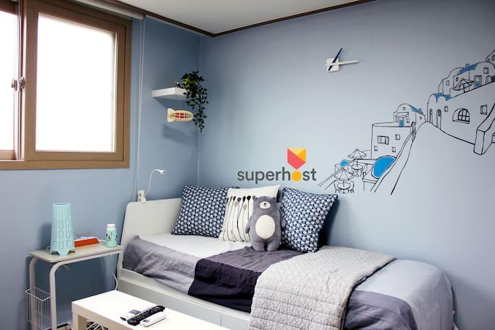 [1 Min Stn & Lift] Petit Santorini @Home&Ptbl WiFi