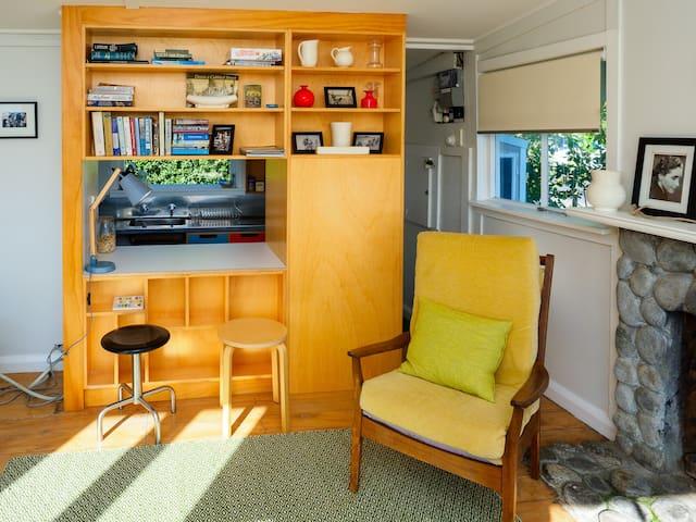 Main room with kitchen hatch