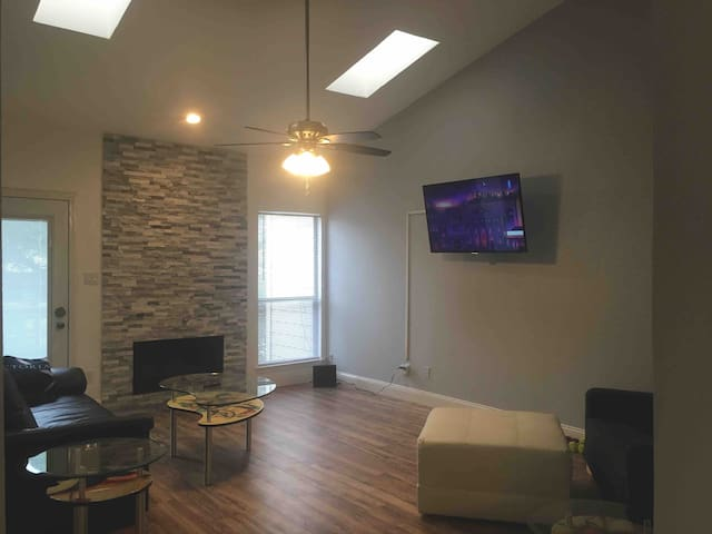 Addison area Furnished Entire Private Condo