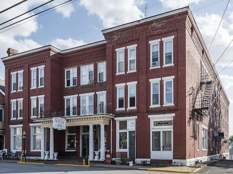 Wells Inn  Sistersville, West Virginia
