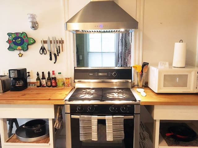 Fully equipped kitchen with essentials.