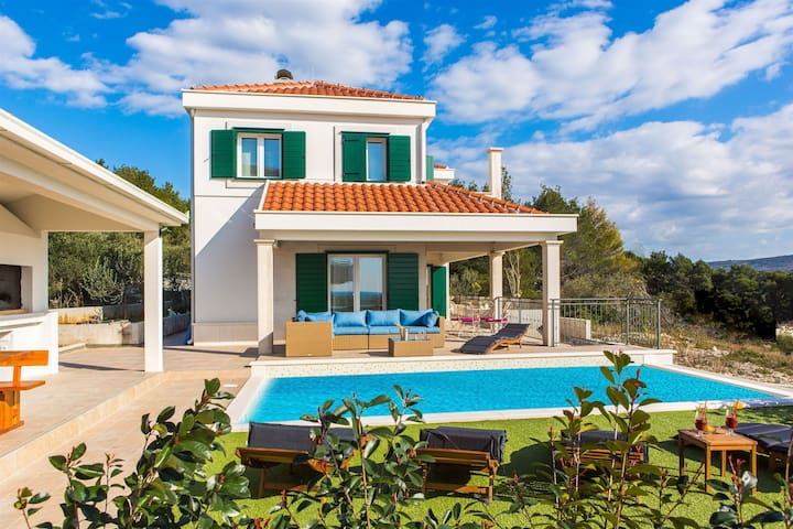 Four bedroom Villa, in Primosten, Outdoor pool