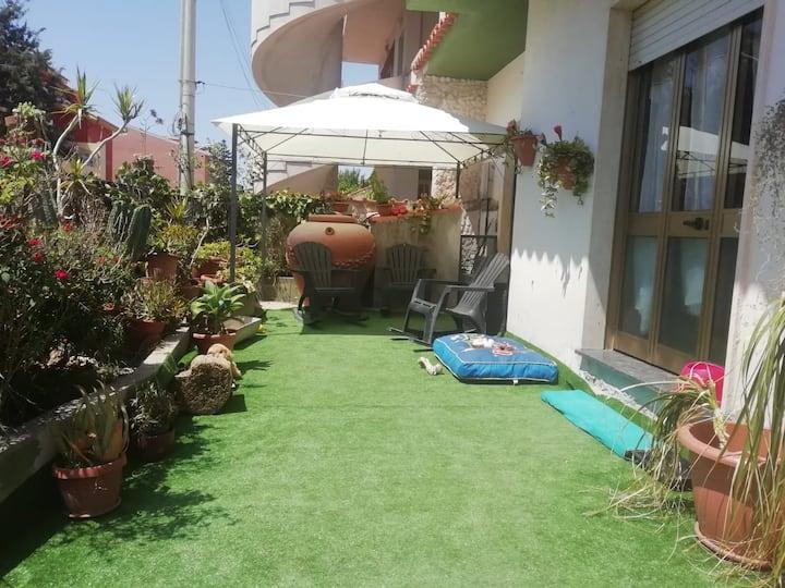 Elegante  appartamento  con vista giardino