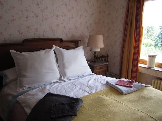 Mons : La chambre Mathieu Mariette - Frameries - Hus