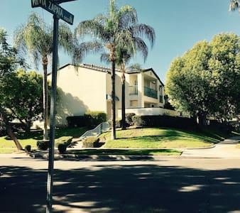 One bedroom @ Riverside, CA - 里弗赛德(Riverside) - 独立屋