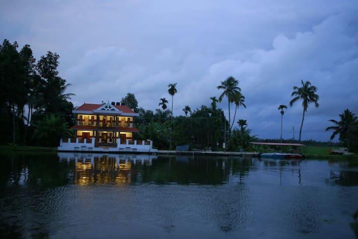 Mango Kerala Homes and Houseboats, Kumarakom