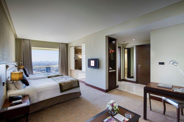 Millennium Plaza Hotel Dubai 5 Star