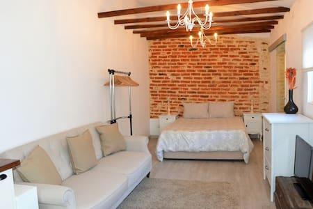 Encantadora casa-estudio con pateo en Belém