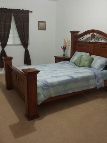 Private Bedroom /Private bathroom at Oakland Park - Oakland Park - Casa