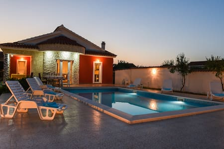 -Holiday home with pool Villa CROATIA