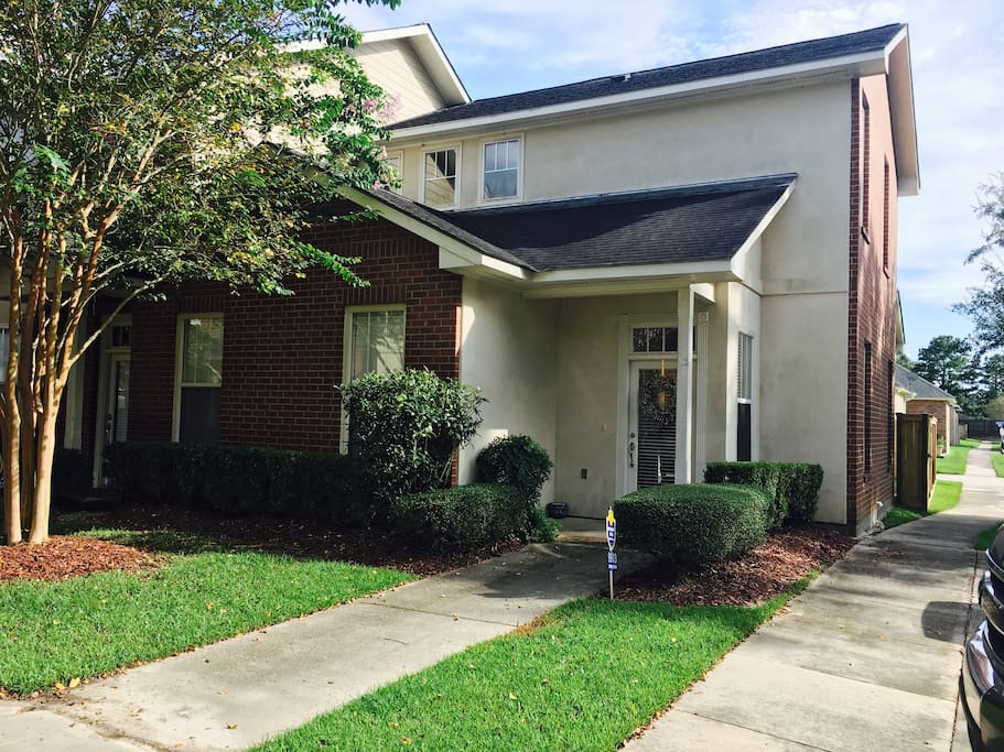 Two Bedroom Townhome In The Heart Of Baton Rouge Townhouses For Rent In Baton Rouge Louisiana