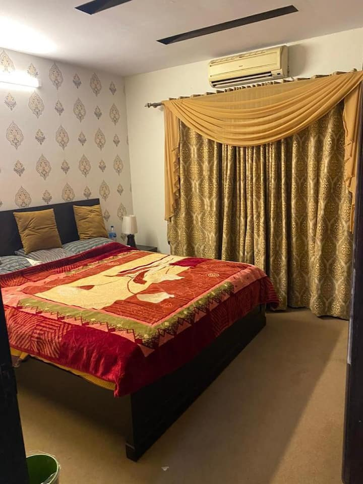 Full furnished two bed flat for short term rent