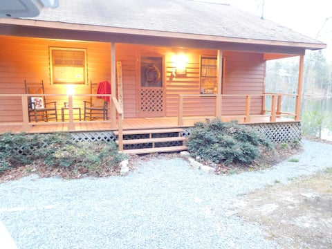 Smoky Mtn Lakefront  Cabin *Away from it all*