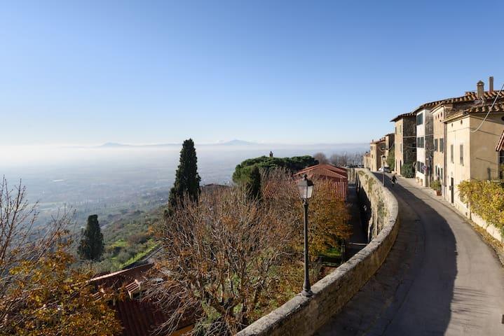 San Sebastiano 1 App. in centro  con vista Cortona - Cortona