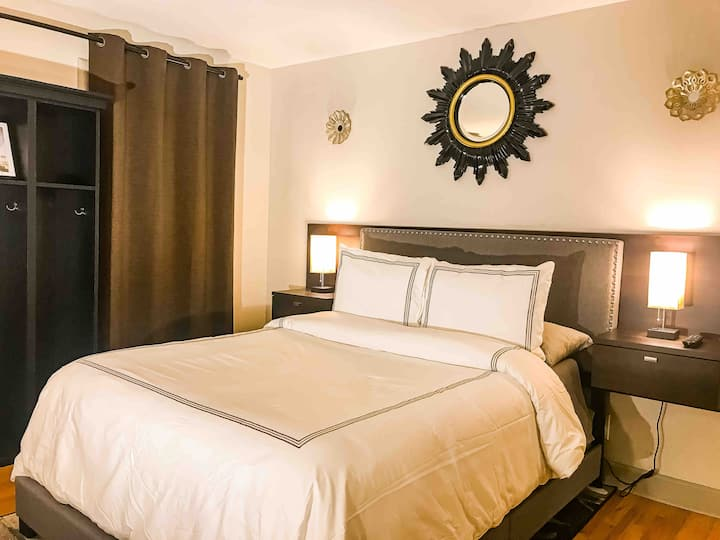 (Private) Historic Guest House - Downtown GR