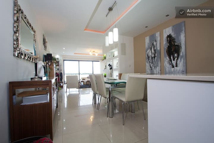 Rooms Central Sea Front Apartment 3