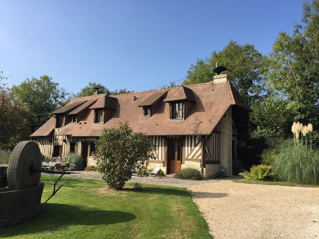 Sea 2km 5 bedrooms, swim. p. tennis - Auberville - Huis