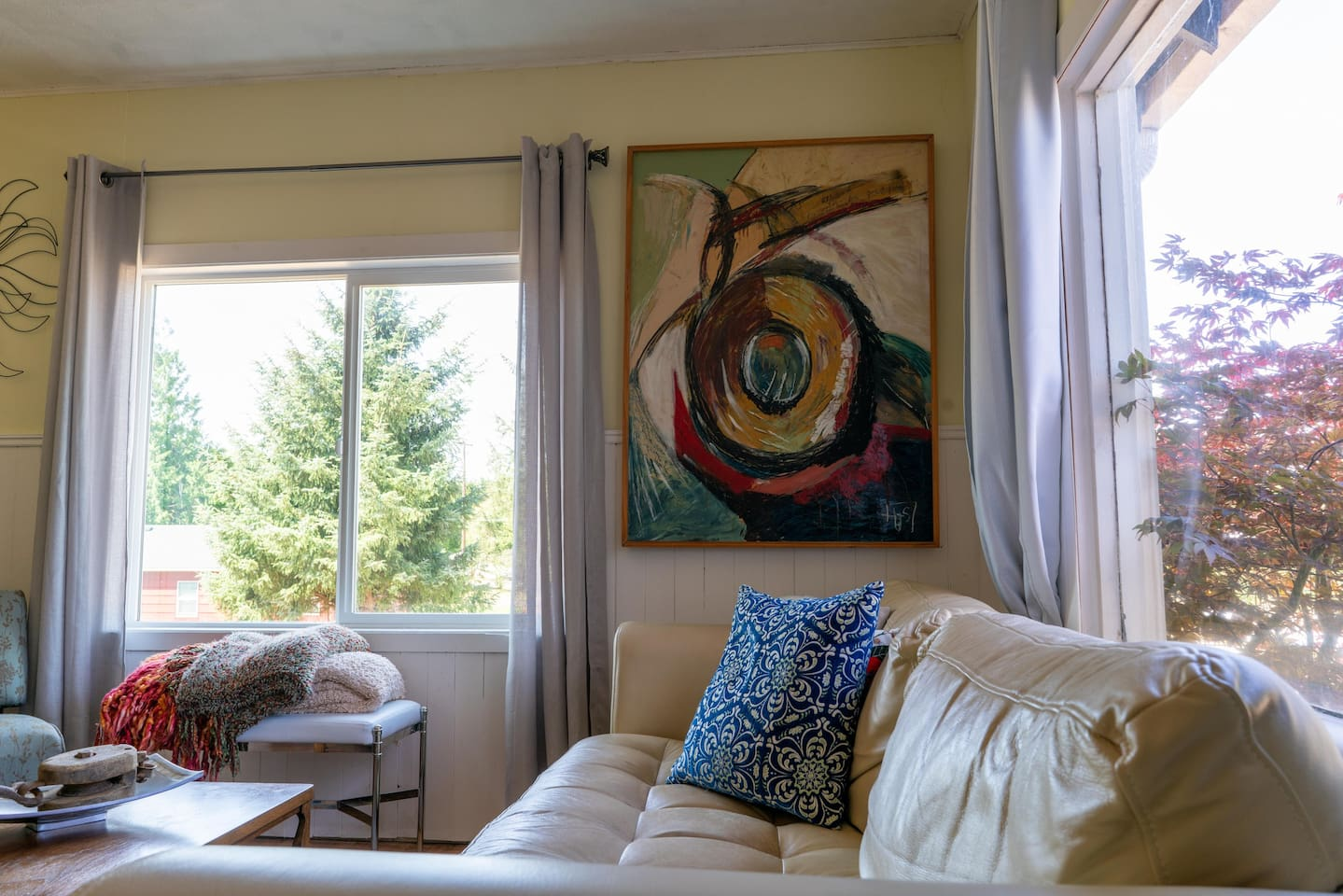 Cozy artsy home with huge sun windows